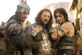 Richard Coyle, Jake Gyllenhaal, et Toby Kebbell dans Prince of Persia: Les sables du temps (2010)