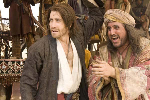 Alfred Molina et Jake Gyllenhaal dans Prince of Persia: Les sables du temps (2010)