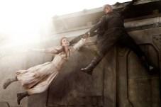 Paul Bettany et Lily Collins dans Priest (2011)