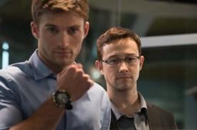Joseph Gordon-Levitt et Scott Eastwood dans Snowden (2016)