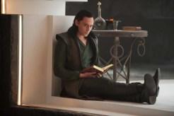 Tom Hiddleston dans Thor: Le monde des ténèbres (2013)