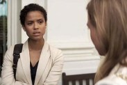 Renée Zellweger et Gugu Mbatha-Raw dans The Whole Truth (2016)