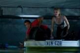 Lincoln Lewis et Cariba Heine dans Bait (2012)