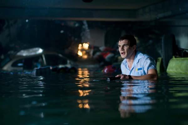 Alex Russell dans Bait (2012)