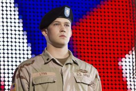 Joe Alwyn dans Billy Lynn's Long Halftime Walk (2016)