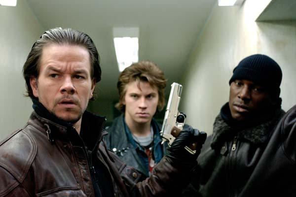 Mark Wahlberg, Tyrese Gibson, et Garrett Hedlund dans Quatre frères (2005)