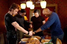 Mark Wahlberg, André Benjamin, Tyrese Gibson, et Garrett Hedlund dans Quatre frères (2005)