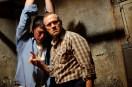 Michael Rooker et Eric Balfour dans Cell 213 (2011)