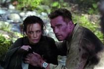 Arnold Schwarzenegger et Francesca Neri dans Collateral Damage (2002)