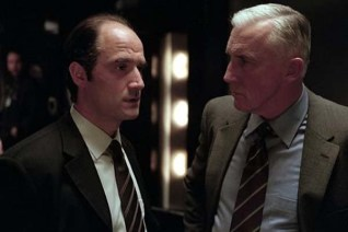 Elias Koteas et Madison Mason dans Collateral Damage (2002)