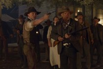 Harrison Ford, Clancy Brown, Sam Rockwell, Chris Browning, et Daniel Craig dans Cowboys & Aliens (2011)