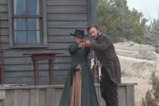 Natalie Portman et Joel Edgerton dans Jane Got a Gun (2016)