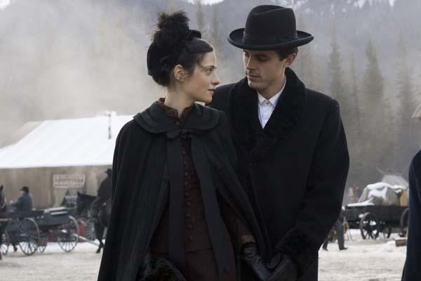 Casey Affleck et Zooey Deschanel dans L'assassinat de Jesse James par le lâche Robert Ford (2007)