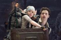 Brendan Fraser et Anita Briem dans Voyage au Centre de la Terre (2008)