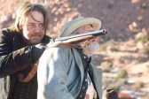 Russell Crowe et Peter Fonda dans 3:10 to Yuma (2007)