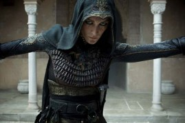 Ariane Labed dans Assassin's Creed (2016)