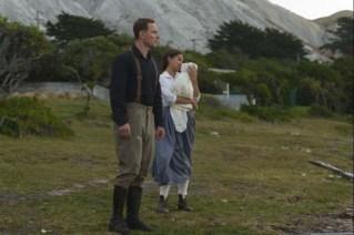 Michael Fassbender et Alicia Vikander dans The Light Between Oceans (2016)