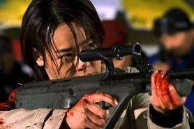Yunjin Kim dans Shiri (1999)