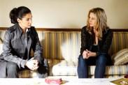 Mira Sorvino et Melissa Linton dans Suspicions (2016)