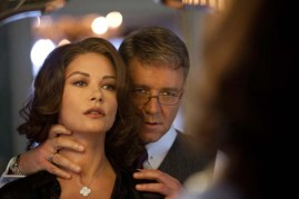 Russell Crowe et Catherine Zeta-Jones dans Broken City (2013)