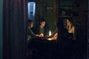 Douglas Smith, Lucien Laviscount, Jenna Kanell, et Cressida Bonas dans The Bye Bye Man (2017)