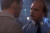 Bruce Willis et Dennis Franz dans Die Hard 2 (1990)