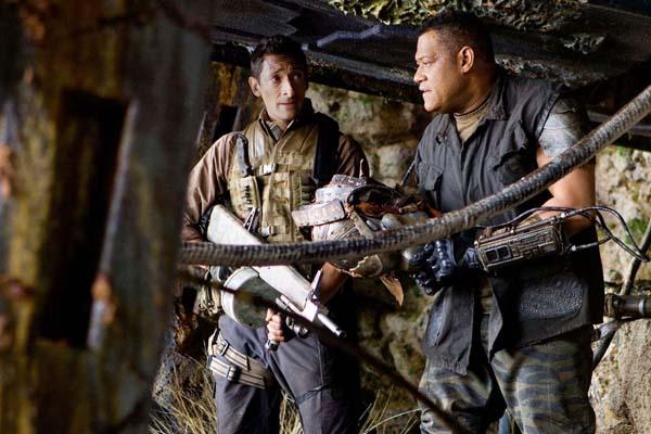 Laurence Fishburne et Adrien Brody dans Predators (2010)