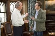 Craig T. Nelson et Ryan Reynolds dans The Proposal (2009)