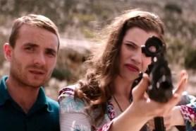 Martin McCann et Jessica De Gouw dans The Rezort (2015)