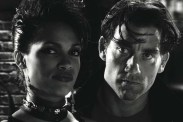 Rosario Dawson et Clive Owen dans Sin City (2005)