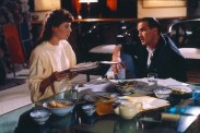 Steven Seagal et Kelly LeBrock dans Hard to Kill (1990)