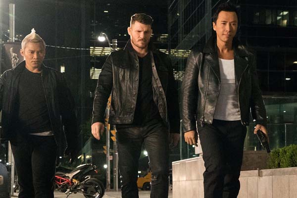 Donnie Yen, Tony Jaa, et Michael Bisping dans xXx: Return of Xander Cage (2017)