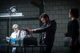Dan Stevens et Bérénice Marlohe dans Kill Switch (2017)