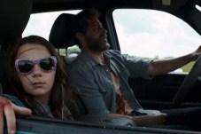 Dafne Keen et Hugh Jackman dans Logan (2017)
