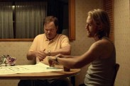 Wyatt Russell et Rainn Wilson dans Shimmer Lake (2017)