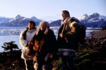 Steven Seagal, Joan Chen, et Chief Irvin Brink dans On Deadly Ground (1994)