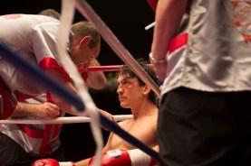 Aaron Eckhart et Miles Teller dans Bleed for This (2016)