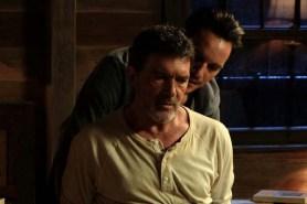 Antonio Banderas et Jonathan Rhys Meyers dans Black Butterfly (2017)