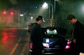 Jo In-sung et Jin Goo dans A Dirty Carnival (2006)