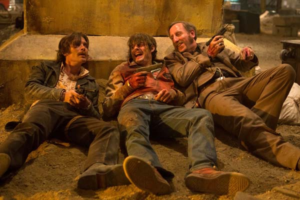 Cillian Murphy, Sam Riley, et Michael Smiley dans Free Fire (2016)