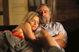 Robert De Niro et Michelle Pfeiffer dans The Family (2013)