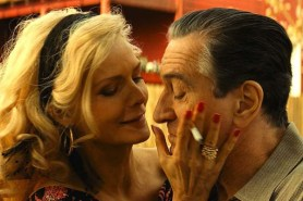 Robert De Niro et Michelle Pfeiffer dans The Family (2013)