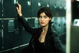 Irène Jacob dans U.S. Marshals (1998)