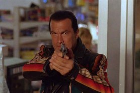 Steven Seagal dans Menace Toxique (1997)