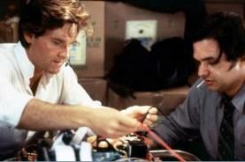 Kurt Russell et Oliver Platt dans Ultime Décision (1996)