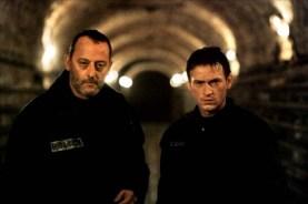 Jean Reno et Benoît Magimel dans Les rivières pourpres 2 - Les anges de l'apocalypse (2004)