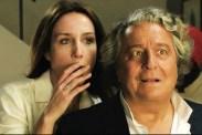 Christian Clavier et Elsa Zylberstein dans A bras ouverts (2017)