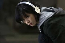 Han Hyo-joo dans Cold Eyes (2013)