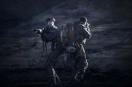 Demián Bichir et Katherine Waterston dans Alien: Covenant (2017)