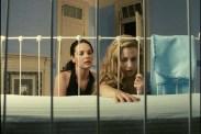 Brittany Murphy et Tammy Blanchard dans Deadline (2009)